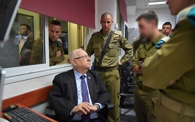 President Reuven Rivlin, left, visits the IDF Gaza Division on November 17, 2019. (GPO)