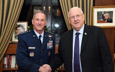 US Air Force chief David Goldfein (L) and President Reuven Rivlin at the Presidents 's Residence in Jerusalem on November 14, 2019. (Haim Zach/GPO)