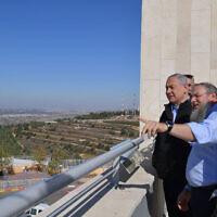 Prime Minister Benjamin Netanyahu, left, tours the Etzion settlement bloc in the West Bank on November 19, 2019. (Kobi Gideon/GPO)
