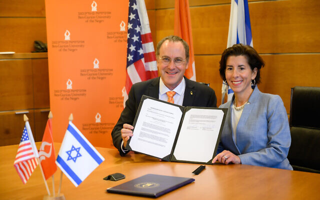 Rhode Island Governor Gina Raimondo signs a Memorandum of Understanding between Ben-Gurion University of the Negev and the State of Rhode Island. (courtesy, Ben Gurion University)