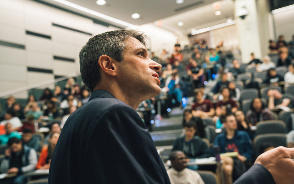 Prof. Jeffrey Grossman teaching Introduction to Solid State Chemistry at MIT. (Lillie Paquette/ MIT)