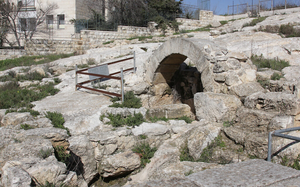 An archeological site that was that was once a farmer's homestead in Pisgat Zeev, Jerusalem. (Shmuel Bar-Am)
