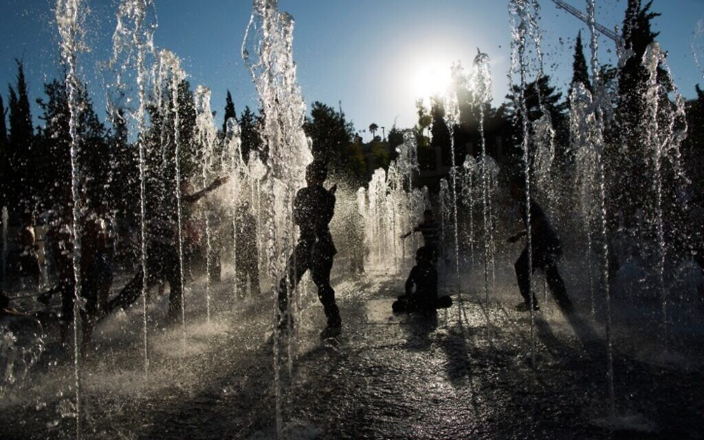 Israelis should prepare for 50-degree Celsius summer days, climate expert says