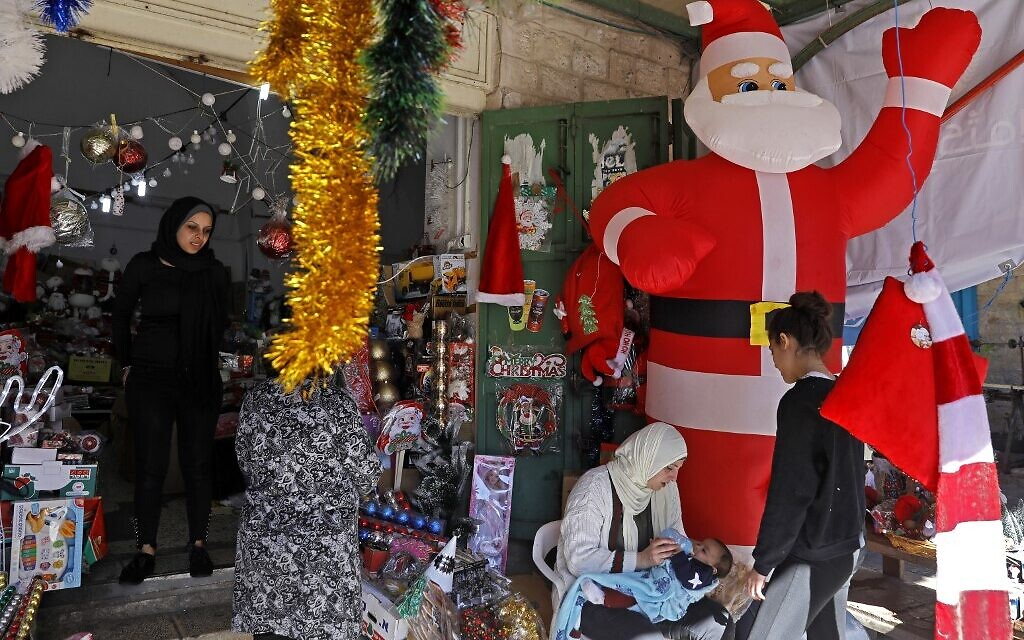 Christmas preparations in the northern Arab-Israeli city of Nazareth, December 20, 2019. (Menahem Kahana / AFP)