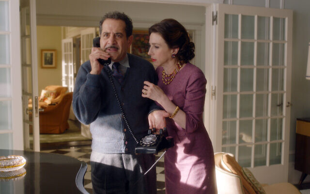 Tony Shalhoub plays Abe Weissman and Marin Hinkle portrays his wife, Rose, in 'The Marvelous Mrs. Maisel'. (Amazon Studios)