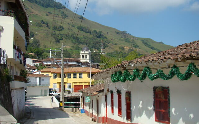 Cityscape in the Colombian city of Titiribi, in the state of Antioquia, 2010. (CC/SA-2.0/flickr/Iván Erre Jota)