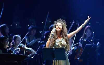 English soprano Sarah Brightman will perform for the first time in Israel on July 9, 2020 (Courtesy Sarah Brightman)