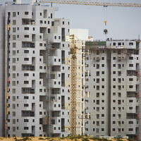 Illustrative: Construction in Ashdod, March 22, 2013. (Moshe Shai/FLASH90)