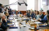 Prime Minister Benjamin Netanyahu leads the weekly cabinet meeting, at his office in Jerusalem, December 1, 2019. (Marc Israel Sellem/Pool/Flash90)