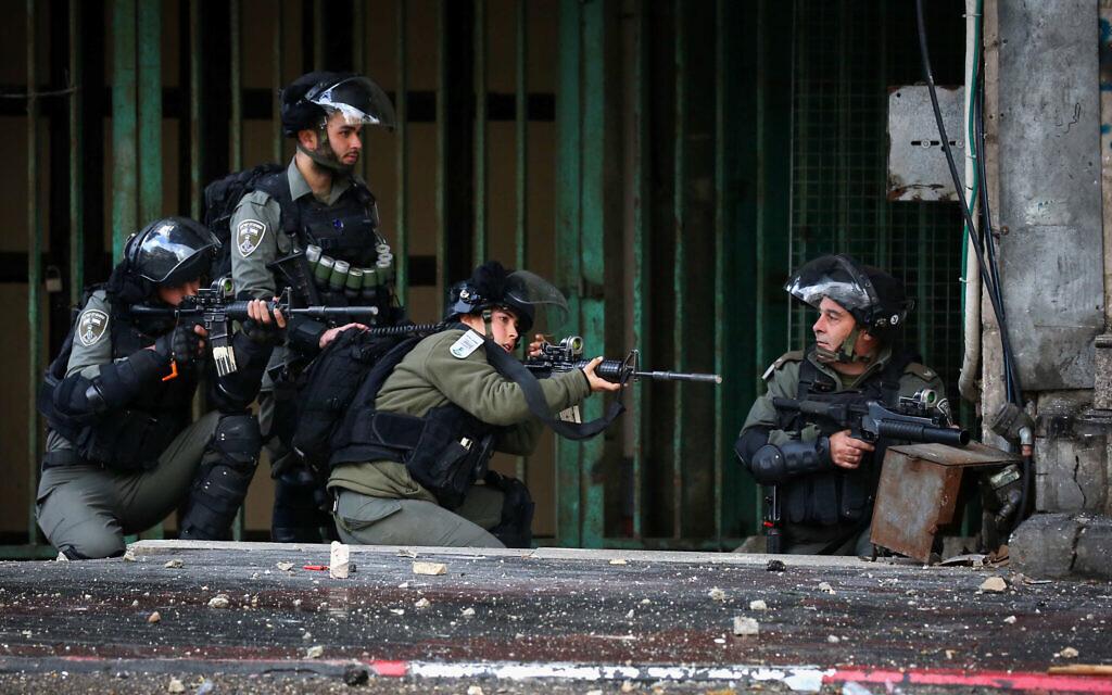Israel arrests several senior Hamas officials in West Bank