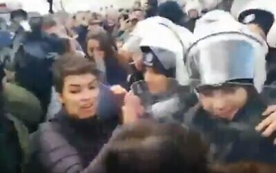 Turkish police clash with women protesters in Istanbul after they chanted an anti-rape anthem police found objectionable on December 8, 2019 (Screencapture/Twitter)