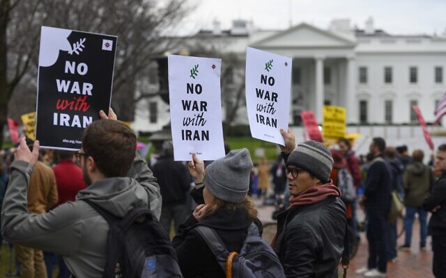 Anti-war activists protest in front of the White House in Washington, DC, on January 4, 2020 (ANDREW CABALLERO-REYNOLDS / AFP)