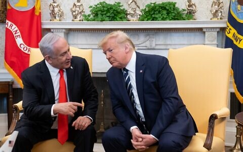 US President Donald Trump meets with Israeli Prime Minister Benjamin Netanyahu in the Oval Office of the White House in Washington, DC, January 27, 2020. (SAUL LOEB / AFP)