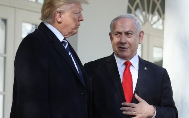 U. President Donald Trump (L) and Prime Minister Benjamin Netanyahu talk to reporters along the colonnade at the White House on January 27, 2020 in Washington, DC. (Mark Wilson/Getty Images/AFP)