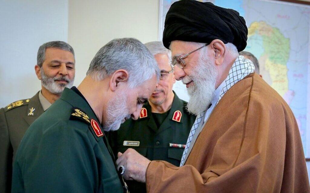Iran's Quds Force commander Qassem Soleimani (left) with Iranian Supreme Leader Ali Khamenei (Wikipedia)