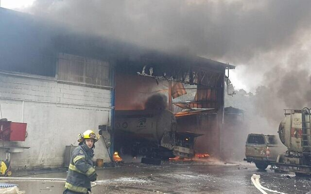 Firefighters at the scene of an explosion at a tanker truck garage in Tamra, January 20, 2020 (Israel Fire Service)