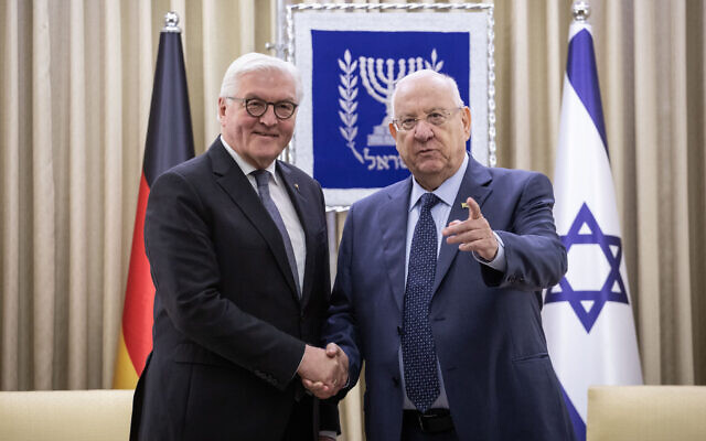 President Reuven Rivlin shakes hands with German President Frank-Walter Steinmeier (L) at the President's Residence in Jerusalem on January 22, 2020. (Hadas Parush/Flash90)
