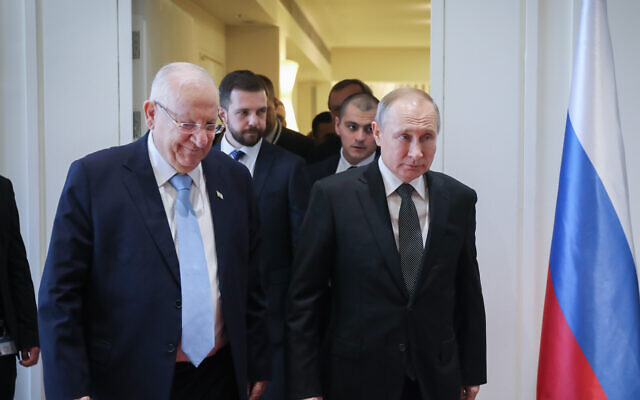 Israeli President Reuven Rivlin meets Russian President Vladimir Putin at Rivlin's residence in Jerusalem on January 23, 2020 (Hadas Parush/Flash90)