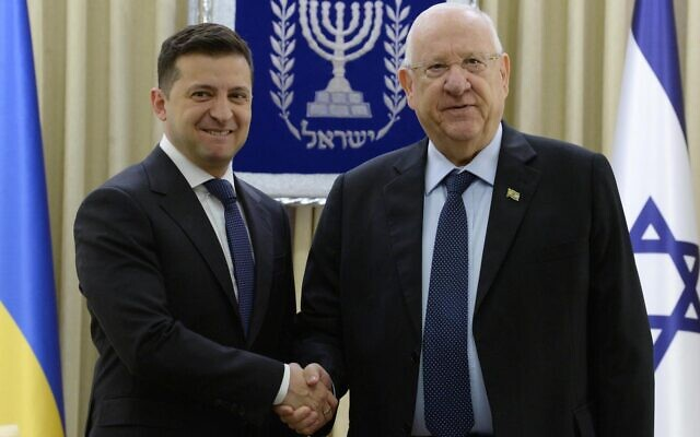 President Reuven Rivlin meets with Ukrainian President Volodymyr Zelensky (L) at the President's Residence in Jerusalem on January 24, 2019. (Mark Neyman/GPO)