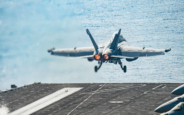 A US Air Force F/A-18E Super Hornet launches from the flight deck of the aircraft carrier USS Harry S. Truman in the Arabian Sea, January 6, 2020. (US Navy/Mass Communication Specialist 3rd Class Kaysee Lohmann)