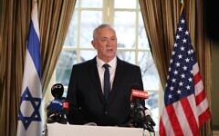 Blue and White chief Benny Gantz speaking to reporters in Washington, D.C., January 27, 2020 (Elad Malka)