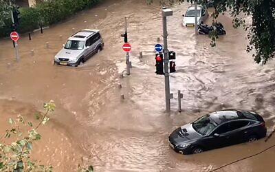 Flooding in southern Tel Aviv on January 4, 2020. (screen capture: YouTube / Almog Tsadok)
