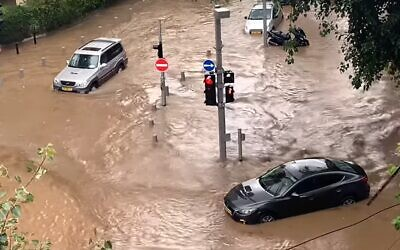 Flooding in southern Tel Aviv on January 4, 2020. (YouTube screenhot/ Almog Tsadok)