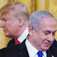US President Donald Trump (ledt) and Israel's Prime Minister Benjamin Netanyahu take part in an announcement of Trump's Middle East peace plan in the East Room of the White House in Washington, DC, on January 28, 2020. MANDEL NGAN / AFP)