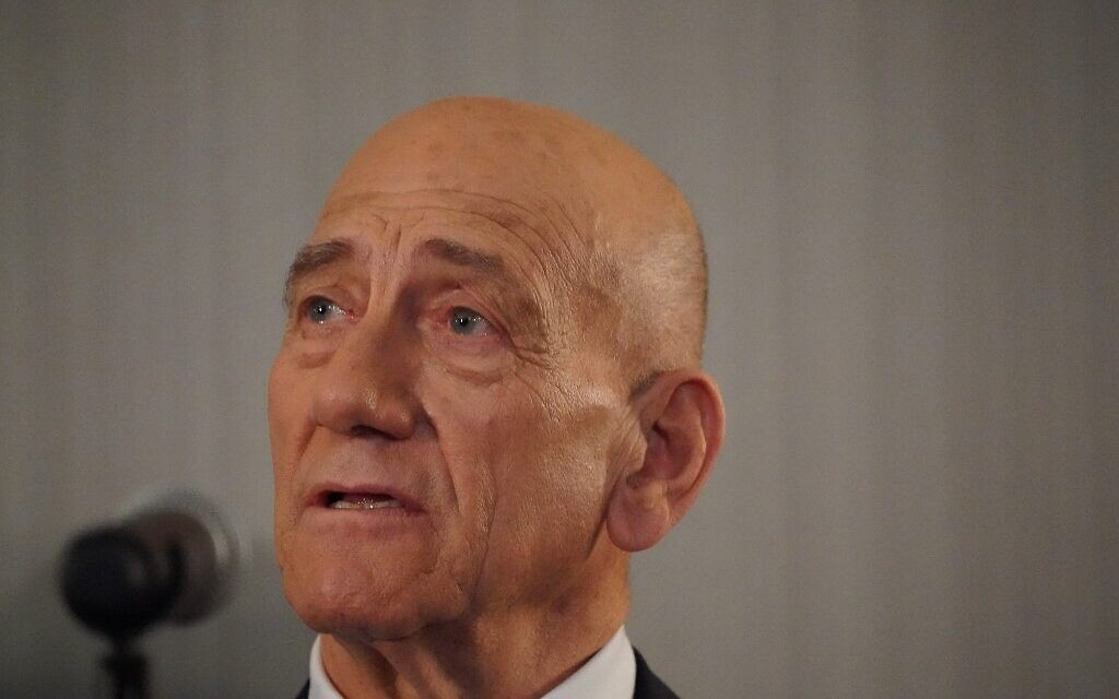 Ex-PM Olmert, who was jailed for graft, says 'thief' Netanyahu to face same fate