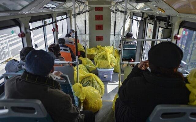 Coronavirus: Death toll rises to 2,744 in mainland China