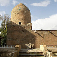 The Tomb of Esther and Mordechai in Hamadan, Iran (CC BY-SA Philippe Chavin/Wikipedia)