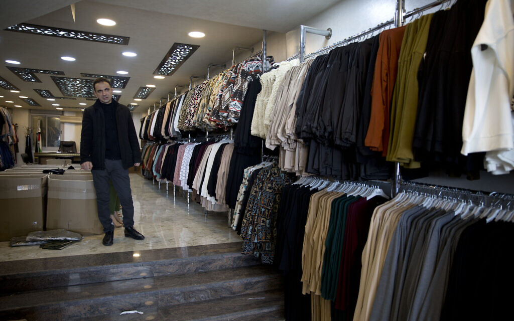 With China closed, Palestinian traders fear losing a good deal