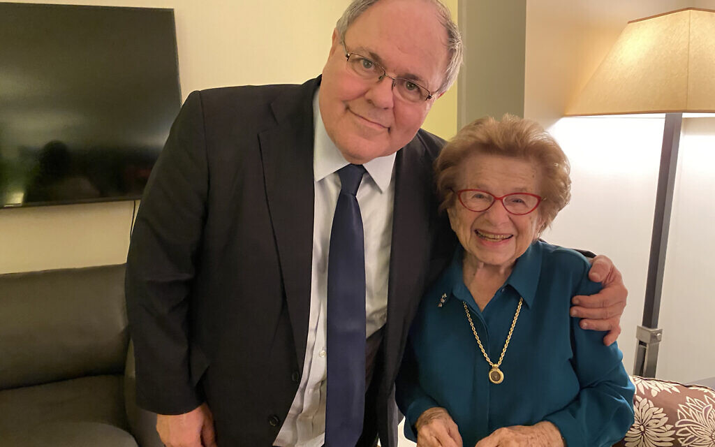Israeli Consul General Dani Dayan, left, with Dr. Ruth Westheimer at a 'Valentine's Day' event for Israeli and Diaspora Jewry at the home of the consul general in New York. (Alexi Rosenfeld)