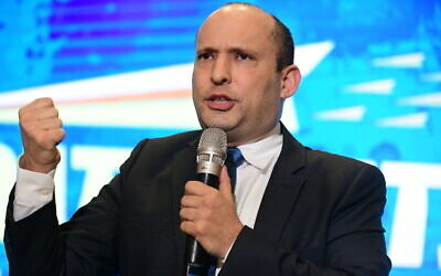 Defense Minister Naftali Bennett attends the campaign launch of his right-wing Yamina party, ahead of the general elections, February 12, 2020 (Tomer Neuberg/FLASH90)