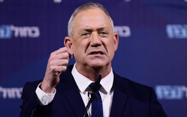 Head of Blue and White party Benny Gantz holds a press conference at Kfar Maccabiah on February 26, 2020.(Tomer Neuberg/Flash90)