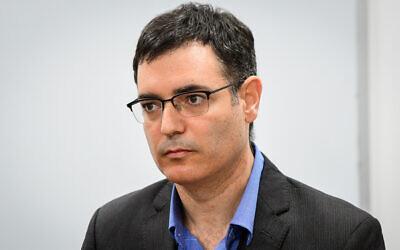 Health Ministry Director General Moshe Bar Siman-Tov at a press conference about the coronavirus, in Tel Aviv, February 27, 2020. (Avshalom Sassoni/Flash90)