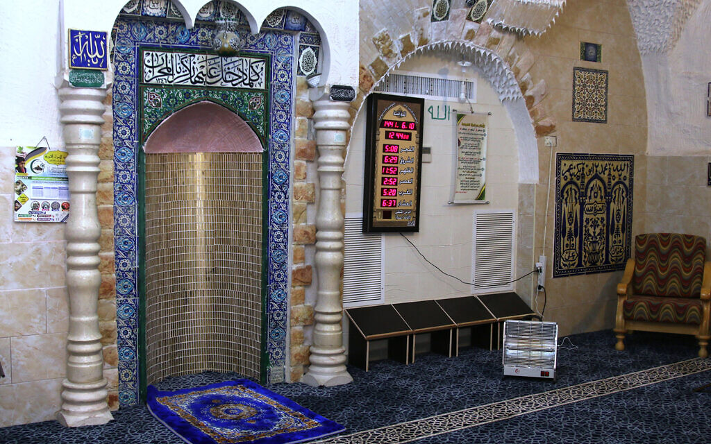 Ceramic tiles adorn the interior of the Naqshbandiya Zawiya mosque on Jerusalem's Via Dolorosa. (Shmuel Bar-Am)