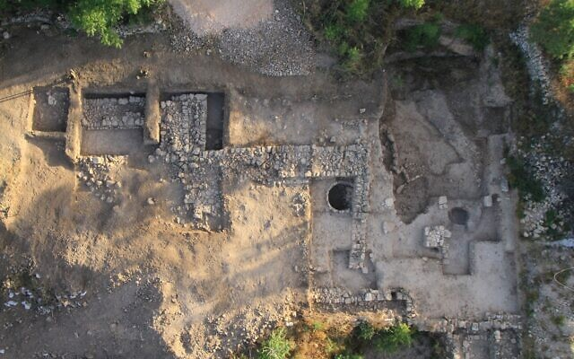 Aerial photo of the temple at Motza at the end of the 2013 excavation. (P. Partouche, SkyView)