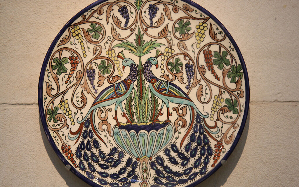 A ceramic plate with a decoration based on a 6th century mosaic discovered in Jerusalem. (Shmuel Bar-Am)