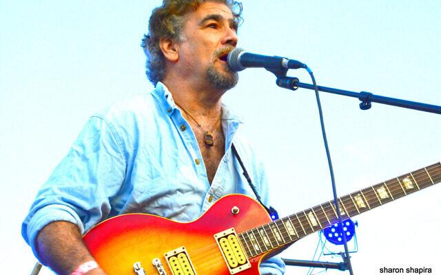 Veteran guitarist Mark Rashkow (Courtesy Sharon Shapira)