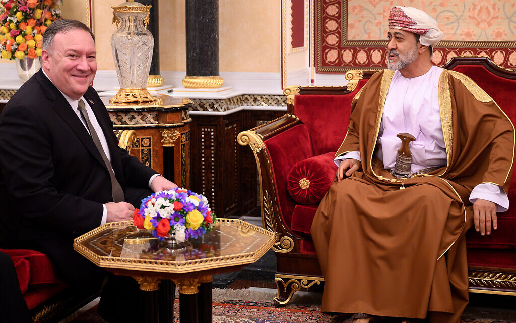 Pompeo reaffirms 'close ties' with Oman in meeting with new sultan