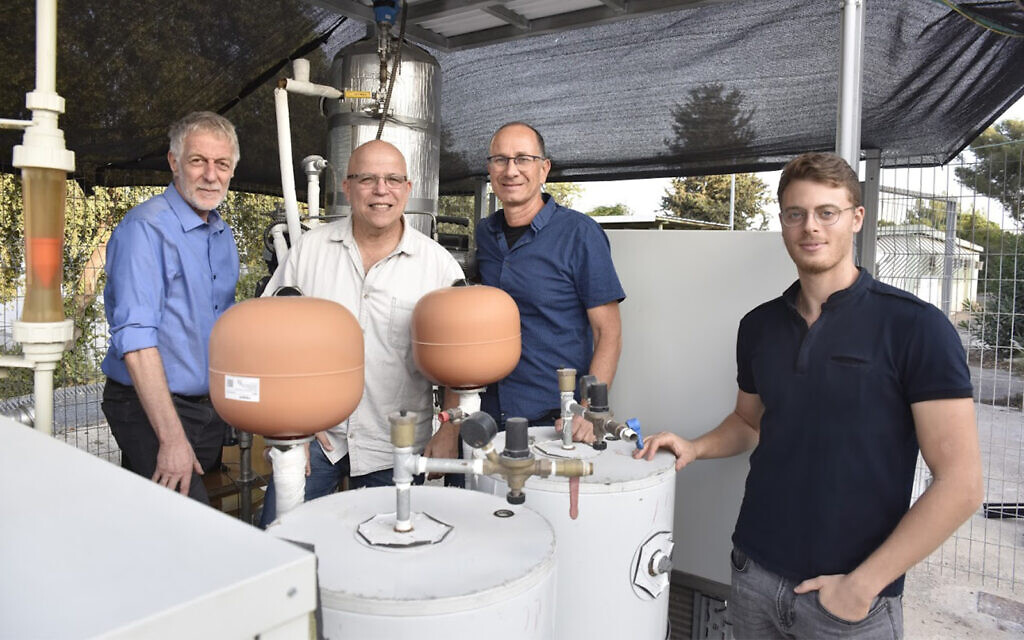 Technion team develops novel water-from-air system using desiccants