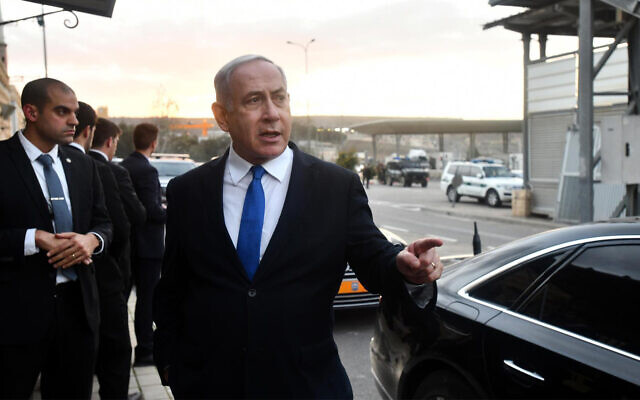 Prime Minister Benjamin Netanyahu on a tour of the West Bank, February 6, 2020. (Haim Tzahi/GPO)