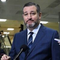 US Senator Ted Cruz (Republican of Texas) during a break in the Senate impeachment trial of US President Donald Trump, January 23, 2020 (ANDREW CABALLERO-REYNOLDS / AFP)