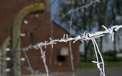 Barbed wire is seen at the memorial site of the former Nazi concentration camp 'Neuengamme'  in Hamburg, northern Germany, on Tuesday, May 4, 2010. (apn/Axel Heimken)
