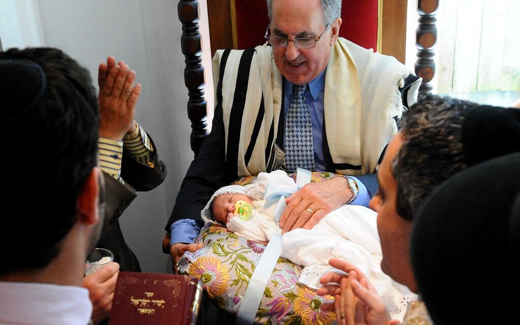 Illustrative: a Jewish circumcision ceremony in San Francisco. (AP Photo/Noah Berger)