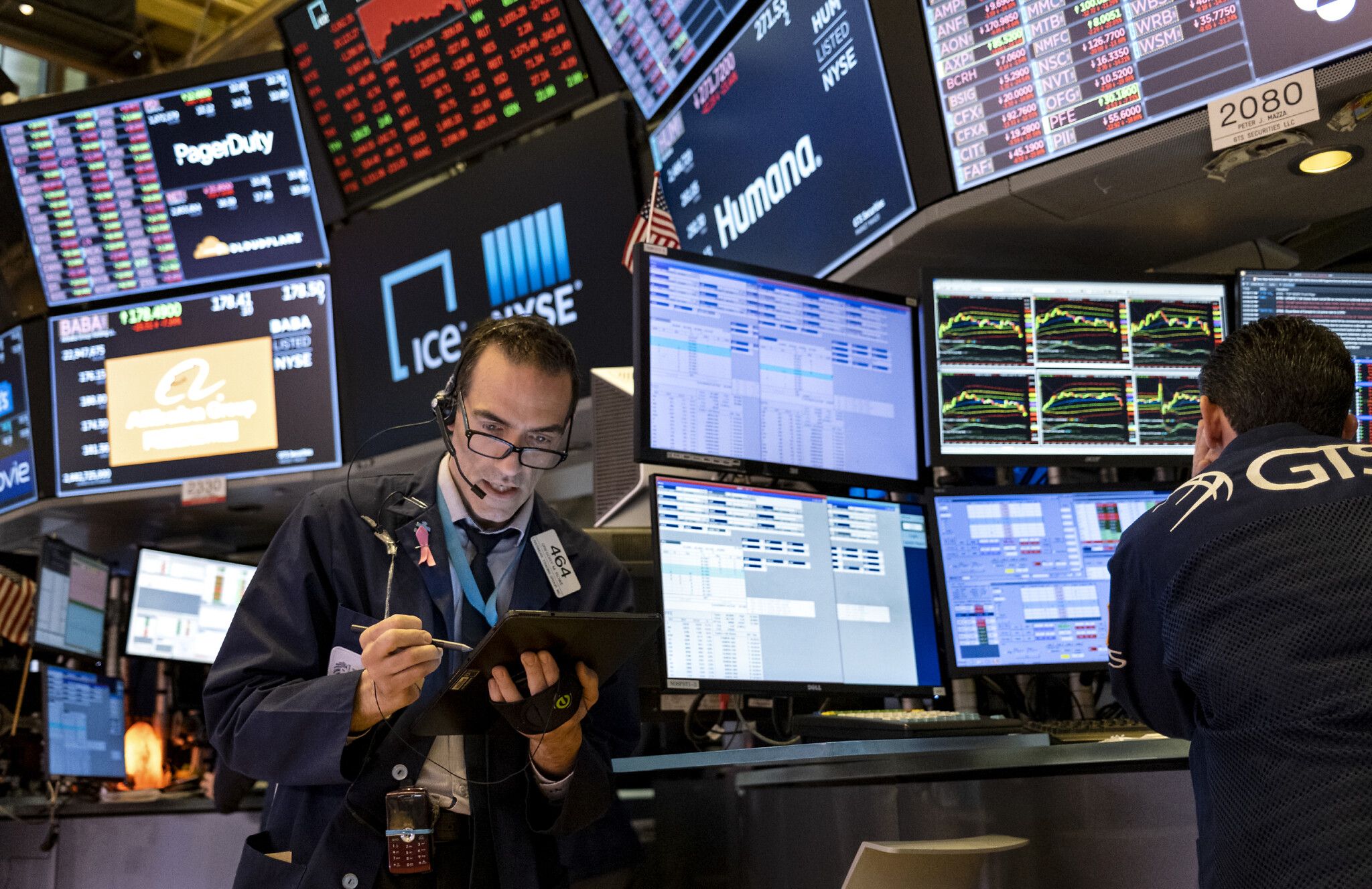 US stock market tumbles to worst finish since 1987 | The Times of ...