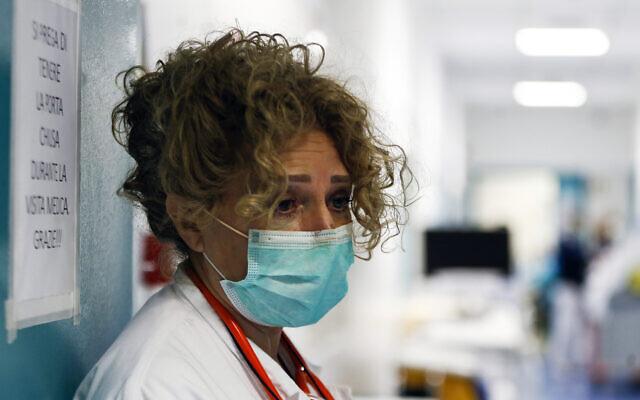 A medical staffer at the Santo Spirito hospital in Rome, March 30, 2020. (Cecilia Fabiano/LaPresse via AP)