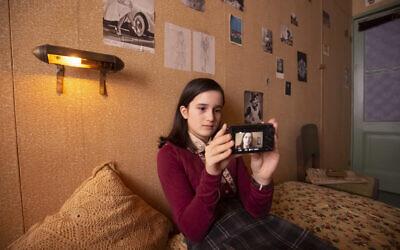'Anne Frank Video Diary' scene with Luna Cruz Perez as the diarist (Anne Frank House/Ray van der Bas)