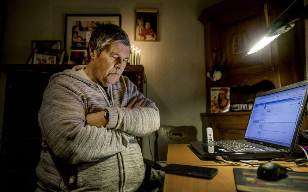 Kent Lundin, 73, a retired ambulance driver from Kolback, Sweden, has cancer. He lost hundreds of thousands of Swedish crowns to Milton Group (Alexander Mahmoud/Dagens Nyheter)